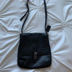 Coach Black Leather Crossbody Swingpack M33-9592